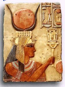 La diosa egipcia hathor danza m sica belleza y for Musica orientale famosa
