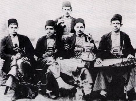 Músicos armenios en Dikranagerd antes de 1915.